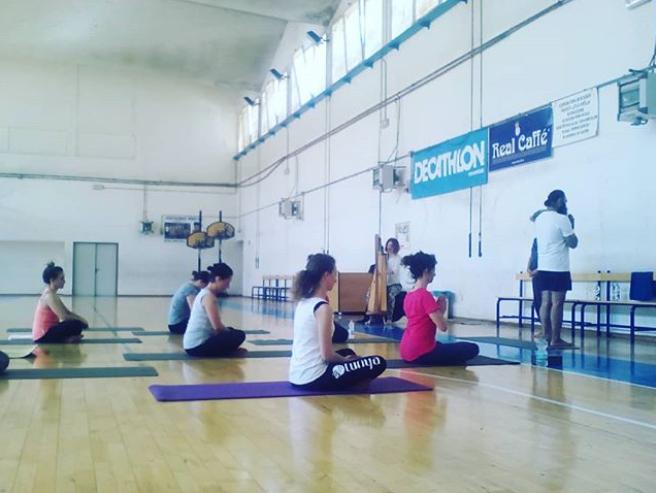 Yoga Session HealingHarp 432Hz Surinder yoga Master.PNG